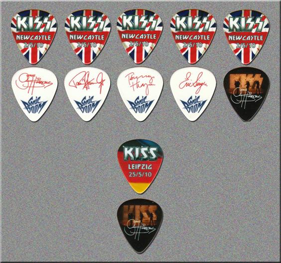 KISS Sonic Boom Over Europe City Guitar Picks